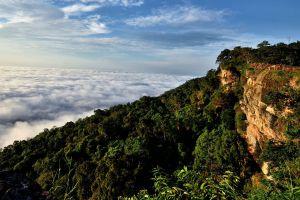 Pha-Mor-E-Daeng-Sisaket-Thailand-02.jpg
