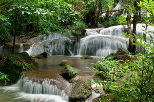 Pha-Tad-Waterfall-Kanchanaburi-Thailand-01.jpg