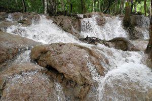 Pha-Tad-Waterfall-Kanchanaburi-Thailand-04.jpg