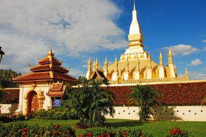 Pha-That-Luang-Vientiane-Laos-003.jpg
