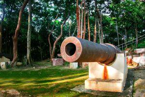 Phairi-Phinat-Fort-Chanthaburi-Thailand-02.jpg