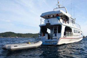 Phang-Nga-Khao-Lak-Explorer-Diving-Tour-Manta-Queen-6.jpg