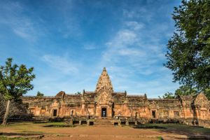 Phanom-Rung-Historical-Park-Buriram-Thailand-001.jpg