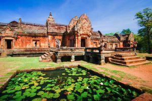 Phanom-Rung-Historical-Park-Buriram-Thailand-002.jpg