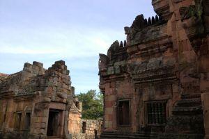 Phanom-Rung-Historical-Park-Buriram-Thailand-003.jpg