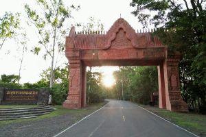 Phanom-Sawai-Forest-Park-Surin-Thailand-05.jpg