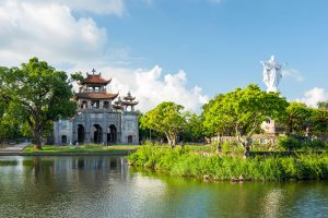 Phat-Diem-Cathedral-Ninh-Binh-Vietnam-001.jpg