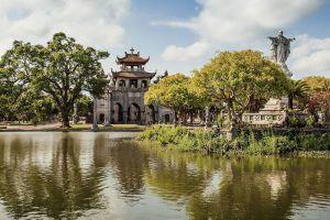 Phat-Diem-Cathedral-Ninh-Binh-Vietnam-006.jpg