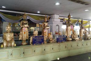 Phet-Samut-Worawihan-Temple-Wat-Ban-Laem-Samut-Songkhram-Thailand-03.jpg