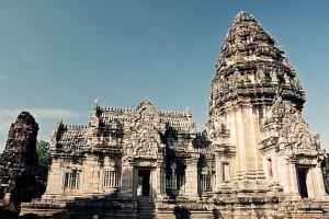 Phimai-Historical-Park-Nakhon-Ratchasima-Thailand-003.jpg