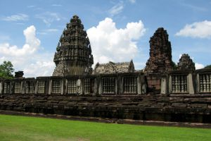 Phimai-Historical-Park-Nakhon-Ratchasima-Thailand-004.jpg