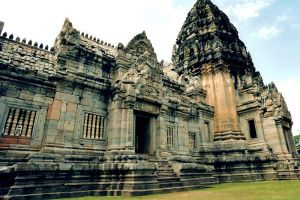 Phimai-Historical-Park-Nakhon-Ratchasima-Thailand-005.jpg
