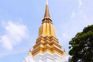 Phra-Chedi-Sisuriyothai-Ayutthaya-Thailand-002.jpg