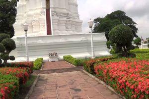 Phra-Chedi-Sisuriyothai-Ayutthaya-Thailand-004.jpg