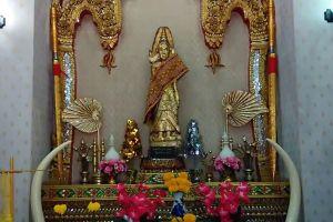 Phra-Mae-Ya-Shrine-Sukhothai-Thailand-06.jpg
