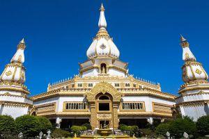 Phra-Maha-Chedi-Chai-Mongkol-Roi-Et-Thailand-01.jpg