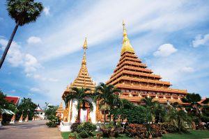 Phra-Mahathat-Kaen-Nakhon-Khon-Kaen-Thailand-01.jpg