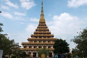 Phra-Mahathat-Kaen-Nakhon-Khon-Kaen-Thailand-03.jpg