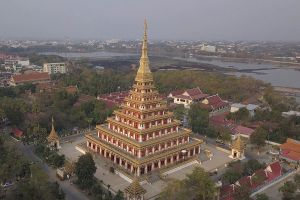 Phra-Mahathat-Kaen-Nakhon-Khon-Kaen-Thailand-04.jpg