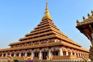 Phra-Mahathat-Kaen-Nakhon-Khon-Kaen-Thailand-05.jpg