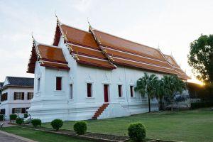 Phra-Narai-Ratchaniwet-Lopburi-Thailand-002.jpg