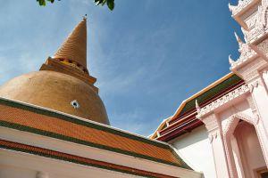 Phra-Pathom-Chedi-Nakhon-Pathom-Thailand-002.jpg