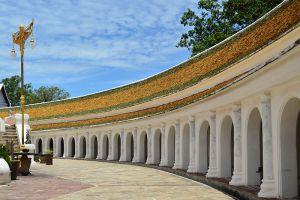 Phra-Pathom-Chedi-Nakhon-Pathom-Thailand-006.jpg