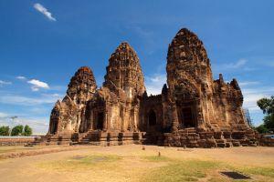 Phra-Prang-Sam-Yot-Lopburi-Thailand-001.jpg