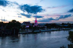 Phra-Samut-Chedi-Samut-Prakan-Thailand-05.jpg