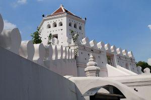 Phra-Sumen-Fort-Bangkok-Thailand-03.jpg