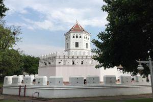 Phra-Sumen-Fort-Bangkok-Thailand-04.jpg