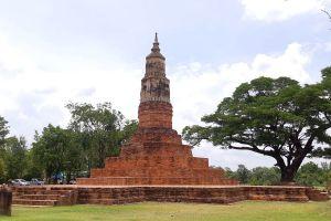 Phra-That-Ya-Khu-Kalasin-Thailand-03.jpg