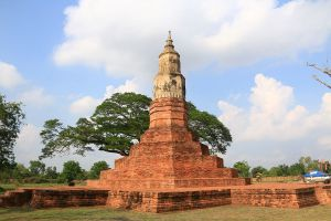 Phra-That-Ya-Khu-Kalasin-Thailand-04.jpg