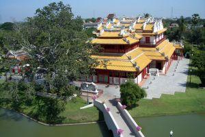 Phra-Thinang-Wehart-Chamrun-Ayutthaya-Thailand-02.jpg