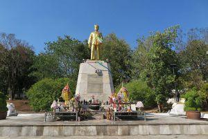 Phraya-Singhanat-Racha-Memorial-Mae-Hong-Son-Thailand-001.jpg