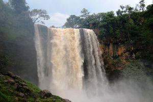 Phu-Cuong-Waterfall-Gia-Lai-Vietnam-002.jpg
