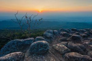 Phu-Hin-Rong-Kla-National-Park-Phitsanulok-Thailand-001.jpg