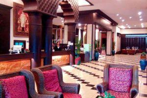 Phuphaya-Resort-Pattaya-Thailand-Lobby.jpg