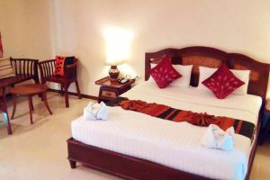 Phuphaya-Resort-Pattaya-Thailand-Room.jpg