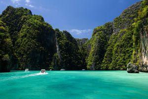 Pi-Leh-Bay-Phi-Phi-Krabi-Thailand-06.jpg