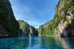 Pi-Leh-Bay-Phi-Phi-Krabi-Thailand-07.jpg