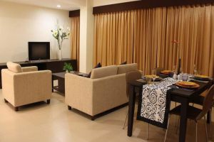 Pinewood-Residence-Hotel-Pattaya-Thailand-Dining-Room.jpg