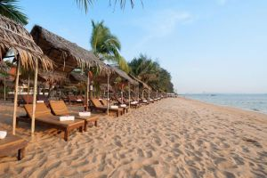 Pinnacle-Grand-Jomtien-Resort-Spa-Pattaya-Thailand-Beachfront.jpg