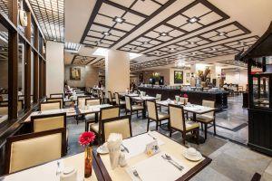 Pinnacle-Lumpinee-Hotel-Spa-Bangkok-Thailand-Dining-Room.jpg