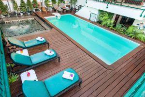 Pinnacle-Lumpinee-Hotel-Spa-Bangkok-Thailand-Pool.jpg