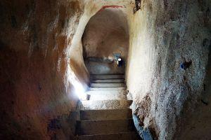 Piyamit-Tunnel-Yala-Thailand-04.jpg