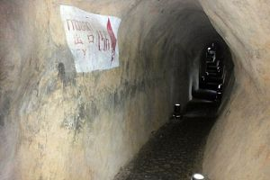 Piyamit-Tunnel-Yala-Thailand-05.jpg