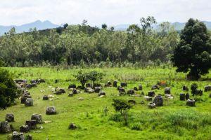 Plain-of-Jars-Xiangkhoang-Plateau-Laos-004.jpg