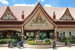 Plaloma-Cliff-Resort-Koh-Chang-Thailand-Entrance.jpg