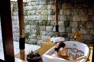 Plantation-Bay-Resort-Spa-Cebu-Philippines-Bathroom.jpg